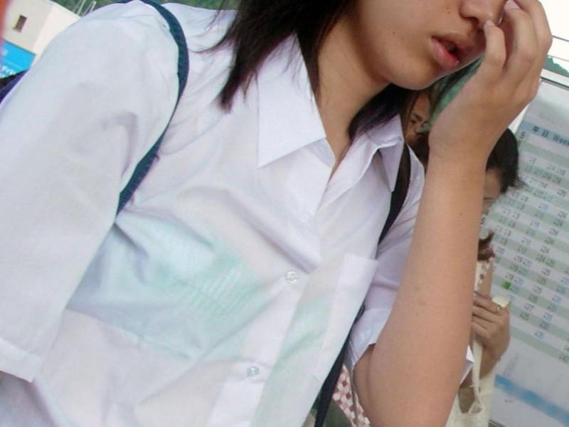 【夏服JK画像】白いブラウスから薄っすらと透けて見えるブラって良いよね 21