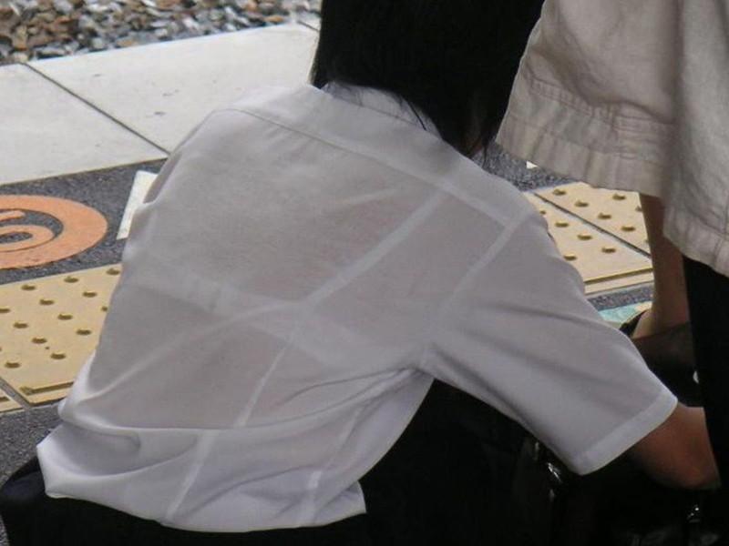 【夏服JK画像】白いブラウスから薄っすらと透けて見えるブラって良いよね 22