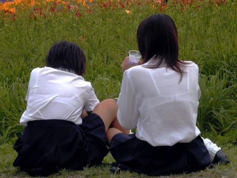 【夏服JK画像】白いブラウスから薄っすらと透けて見えるブラって良いよね 24