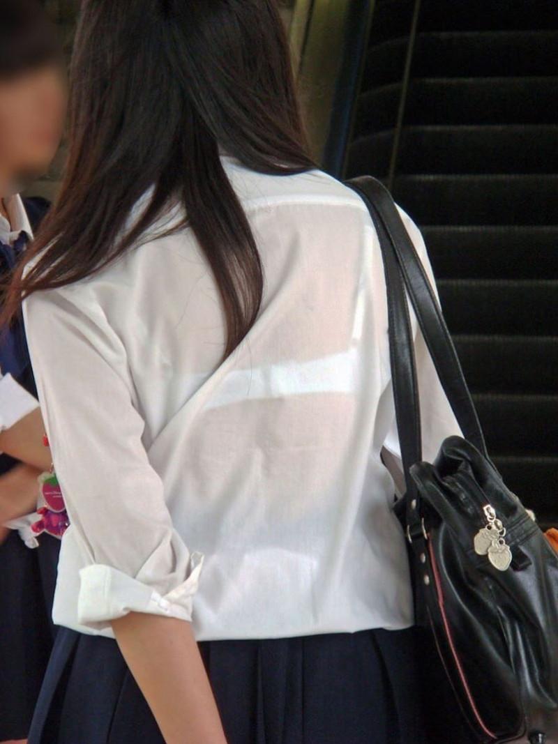 【夏服JK画像】白いブラウスから薄っすらと透けて見えるブラって良いよね 37