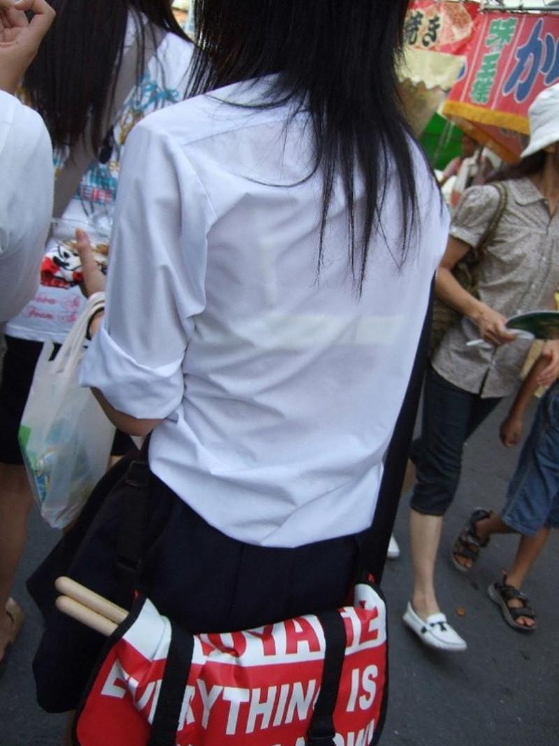 【夏服JK画像】白いブラウスから薄っすらと透けて見えるブラって良いよね 39