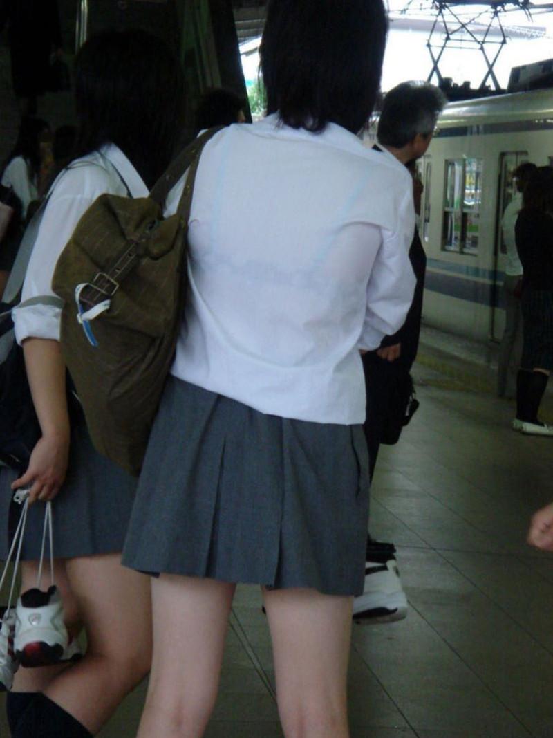 【夏服JK画像】白いブラウスから薄っすらと透けて見えるブラって良いよね 40