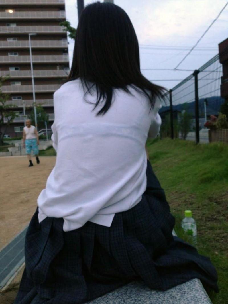 【夏服JK画像】白いブラウスから薄っすらと透けて見えるブラって良いよね 41