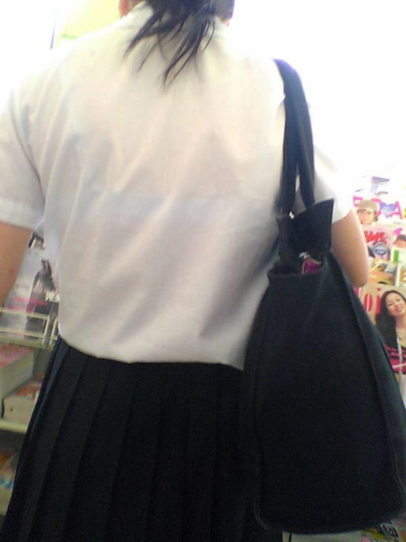【夏服JK画像】白いブラウスから薄っすらと透けて見えるブラって良いよね 49