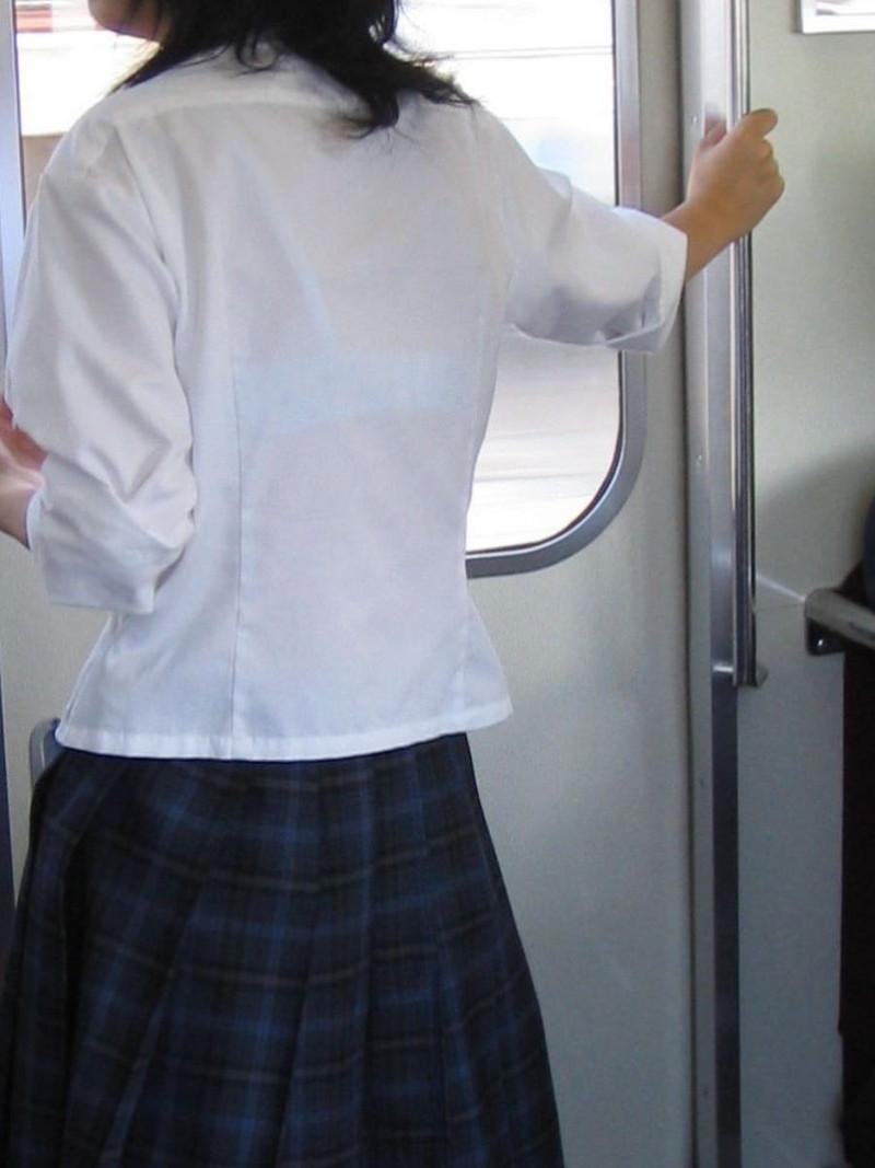 【夏服JK画像】白いブラウスから薄っすらと透けて見えるブラって良いよね 57
