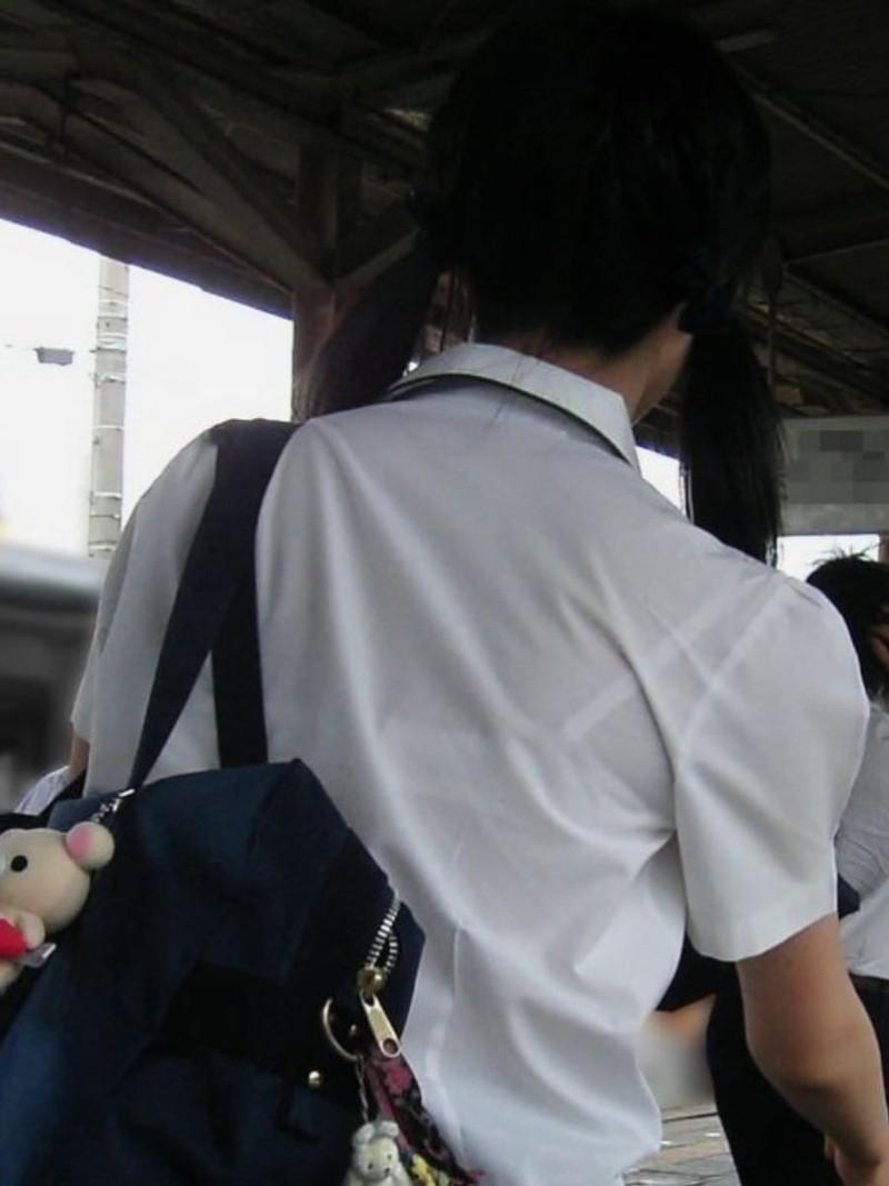 【夏服JK画像】白いブラウスから薄っすらと透けて見えるブラって良いよね 71