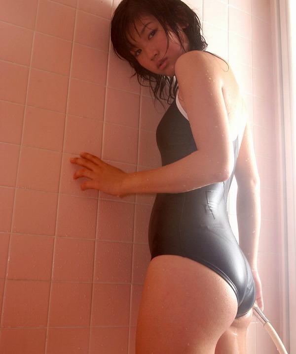 【小原徳子お宝画像】熟女優が若い頃に披露していたビキニ水着姿等のエロ写真 10