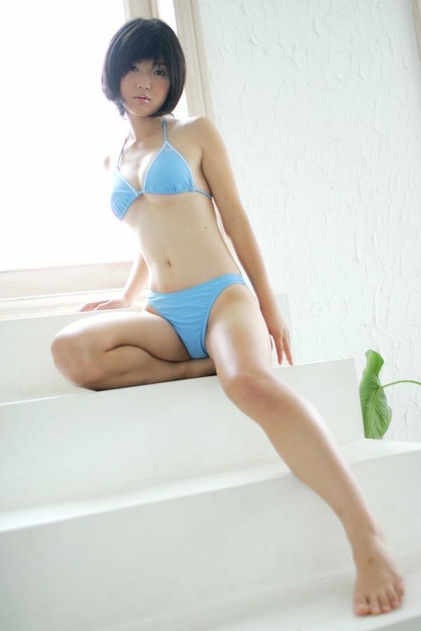 【小原徳子お宝画像】熟女優が若い頃に披露していたビキニ水着姿等のエロ写真 42