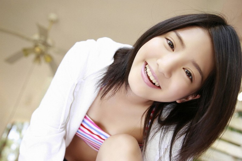 【川島海荷グラビア画像】ベテラン女優がアイドル時代に撮った健康的なビキニ姿