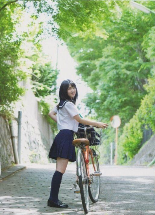【村山彩希グラビア画像】画像加工したんじゃないかって思うくらい腰が細いAKBアイドル 12