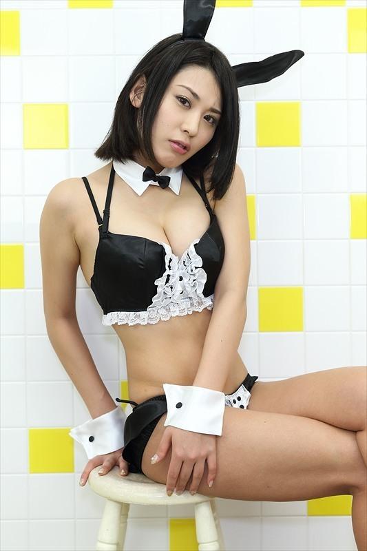 【金子智美グラビア画像】AKB48元研究生がグラドルに転身してFカップ巨乳を見せちゃった 05