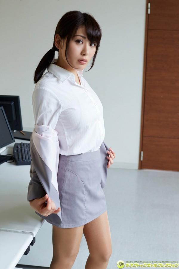 【金子智美グラビア画像】AKB48元研究生がグラドルに転身してFカップ巨乳を見せちゃった 08