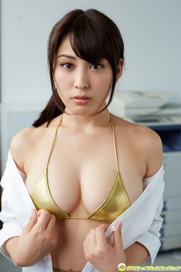 【金子智美グラビア画像】AKB48元研究生がグラドルに転身してFカップ巨乳を見せちゃった 40