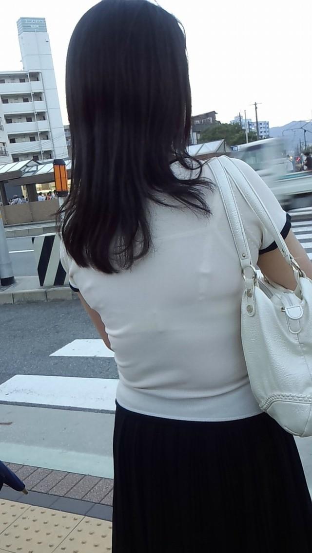 【透けブラエロ画像】ブラウスから薄っすら透けて見えるOLの下着に興奮するwwww 39