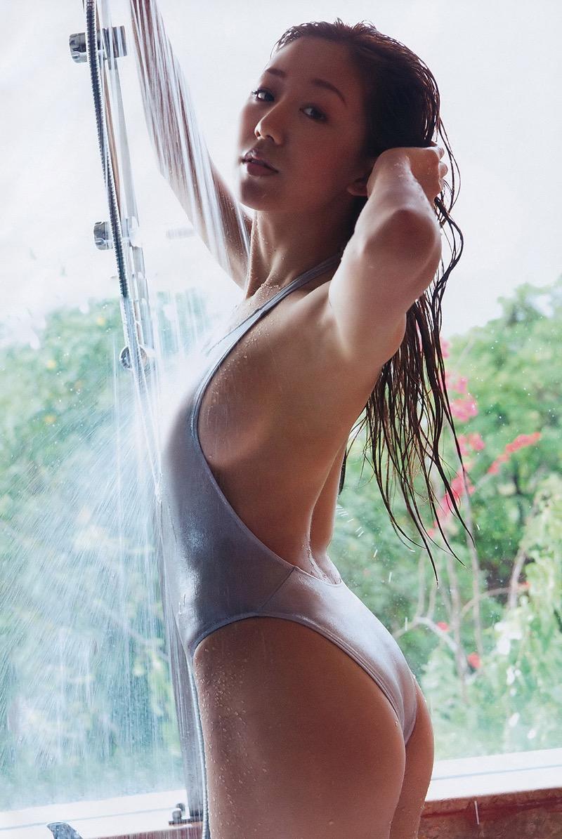 【グラドル入浴エロ画像】シャワーに濡れて輝く激エロボディ美女がヌケる! 45