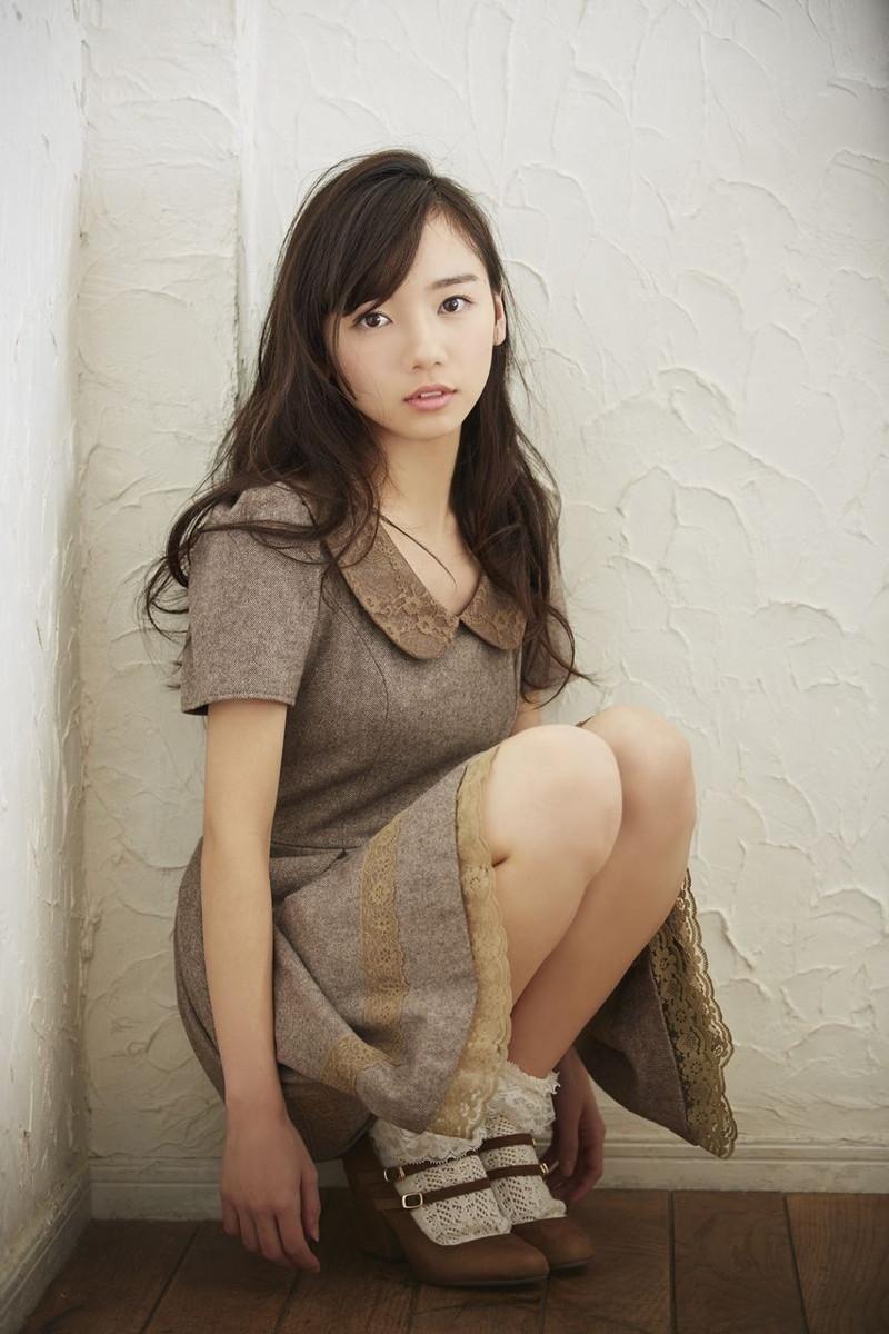 【日向坂46グラビア画像】可愛くてちょっぴりセクシーな美少女達が集うアイドルユニット 30