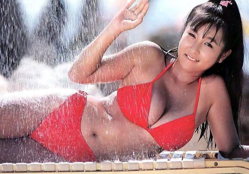 【かとうれいこお宝画像】レジェンドグラドルの昔懐かしい水着画像を集めてみたw 10