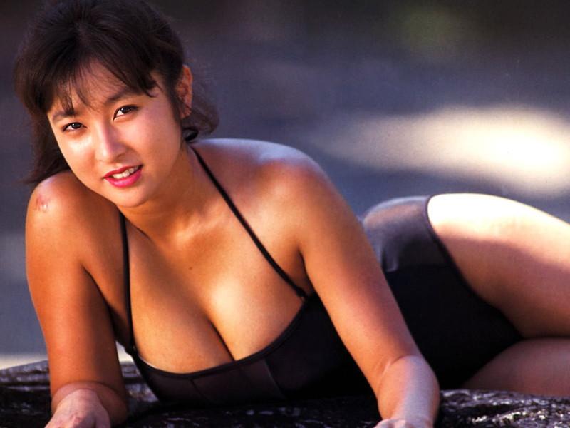 【かとうれいこお宝画像】レジェンドグラドルの昔懐かしい水着画像を集めてみたw 15