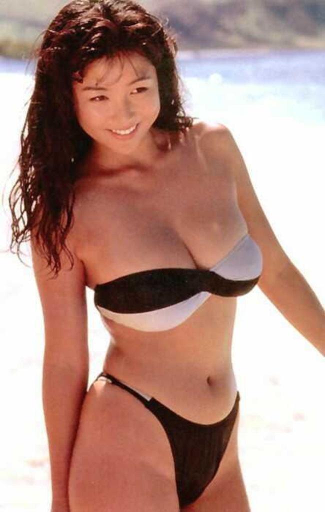 【かとうれいこお宝画像】レジェンドグラドルの昔懐かしい水着画像を集めてみたw 20