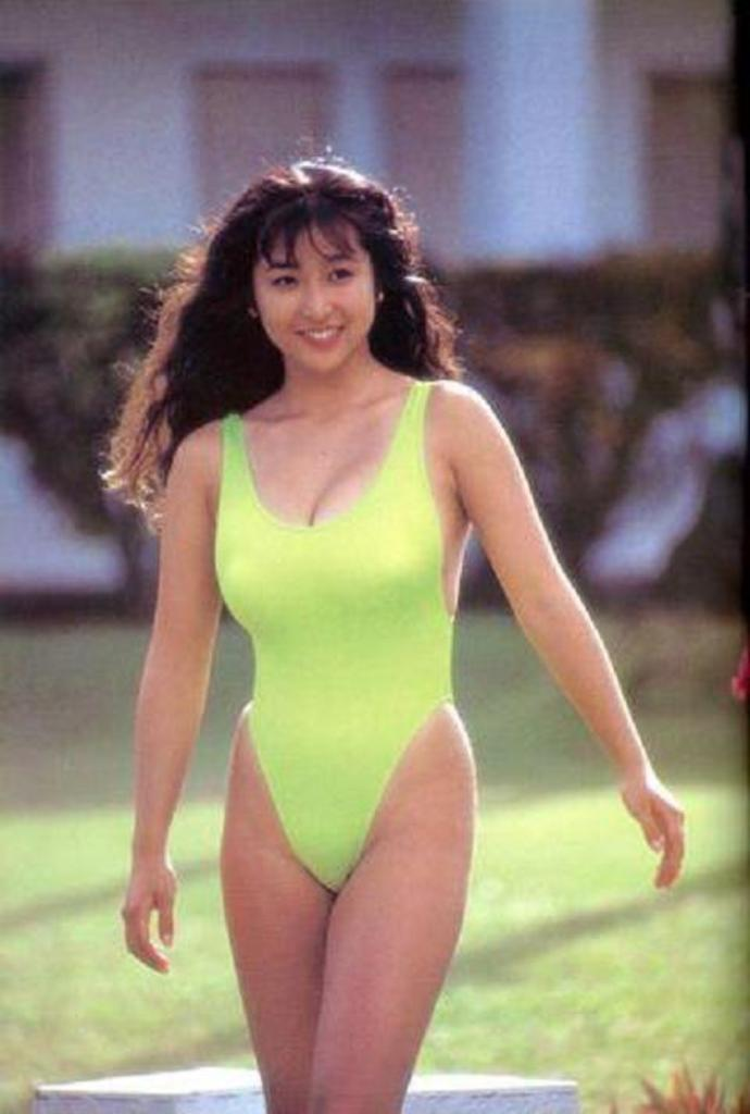 【かとうれいこお宝画像】レジェンドグラドルの昔懐かしい水着画像を集めてみたw 34