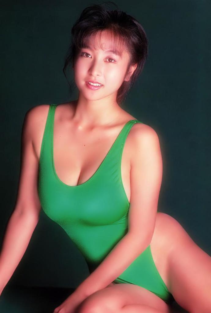 【かとうれいこお宝画像】レジェンドグラドルの昔懐かしい水着画像を集めてみたw 35