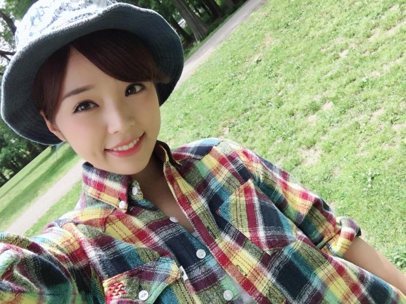 【川村那月グラビア画像】Fカップボディで初水着姿を披露したレースクイーン美女 20
