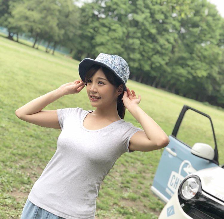 【川村那月グラビア画像】Fカップボディで初水着姿を披露したレースクイーン美女 22