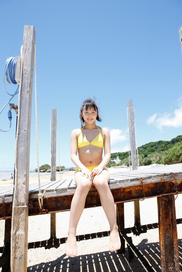 【鞘師里保グラビア画像】元モー娘。の童顔アイドルが現役時代に撮った水着姿がこちら 06