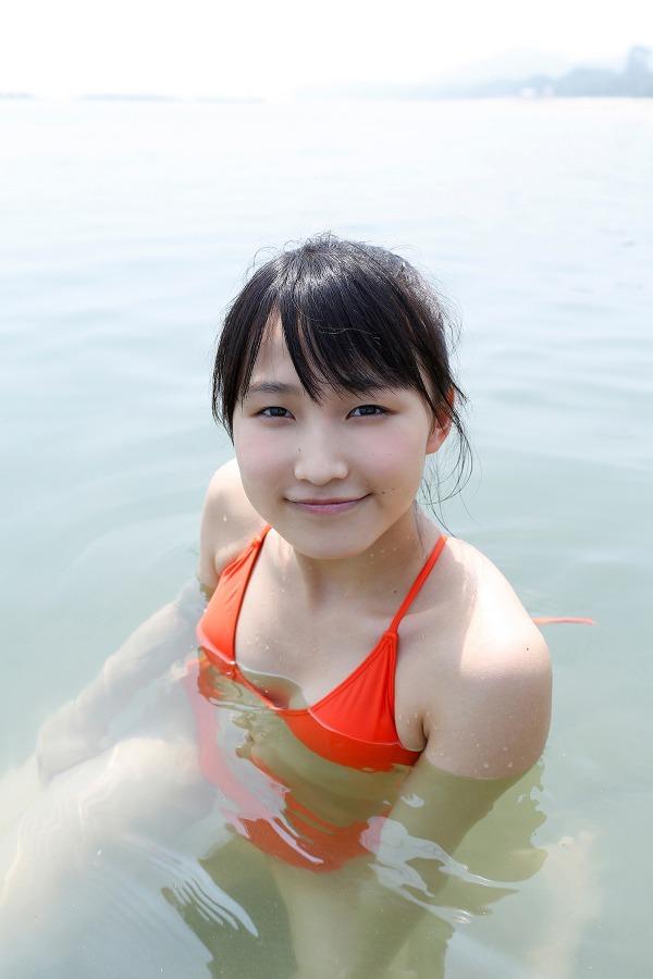 【鞘師里保グラビア画像】元モー娘。の童顔アイドルが現役時代に撮った水着姿がこちら 19
