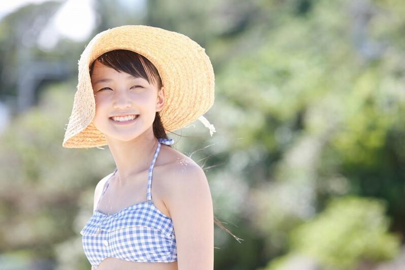 【鞘師里保グラビア画像】元モー娘。の童顔アイドルが現役時代に撮った水着姿がこちら 30