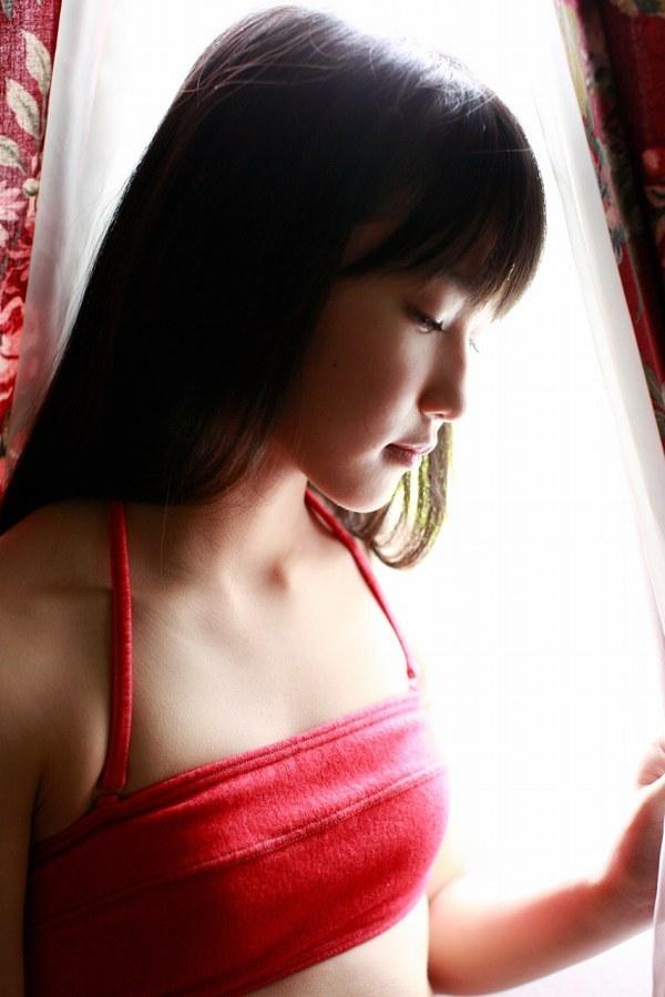 【鞘師里保グラビア画像】元モー娘。の童顔アイドルが現役時代に撮った水着姿がこちら 42