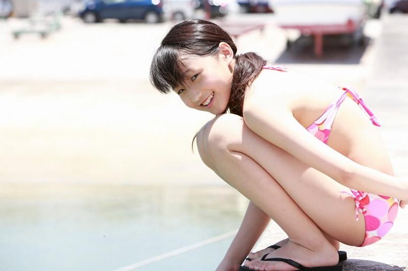 【鞘師里保グラビア画像】元モー娘。の童顔アイドルが現役時代に撮った水着姿がこちら 45