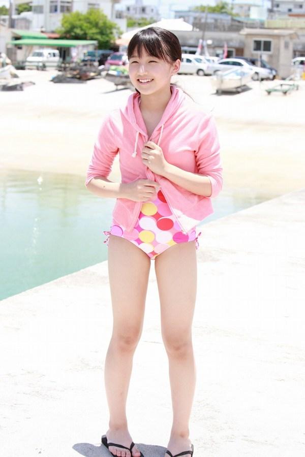 【鞘師里保グラビア画像】元モー娘。の童顔アイドルが現役時代に撮った水着姿がこちら 53
