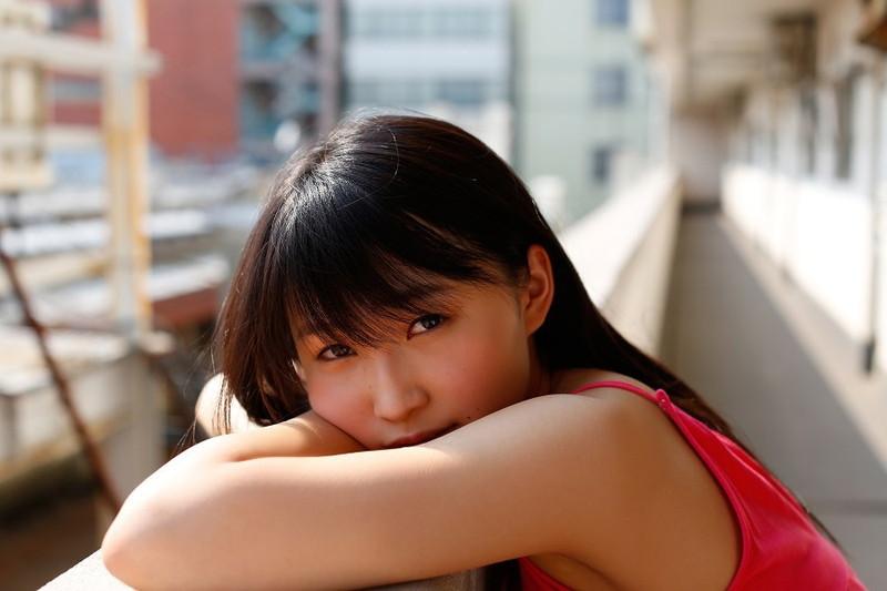 【鞘師里保グラビア画像】元モー娘。の童顔アイドルが現役時代に撮った水着姿がこちら 61