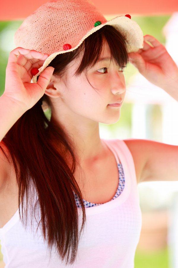【鞘師里保グラビア画像】元モー娘。の童顔アイドルが現役時代に撮った水着姿がこちら 64