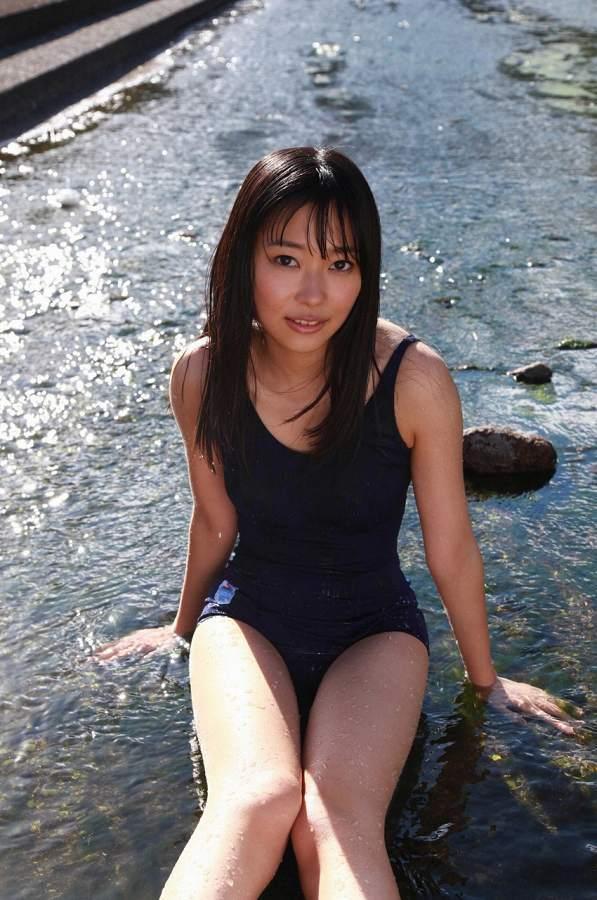 【指原莉乃グラビア画像】プロデューサーが現役アイドルだった頃の水着姿がこちら 22