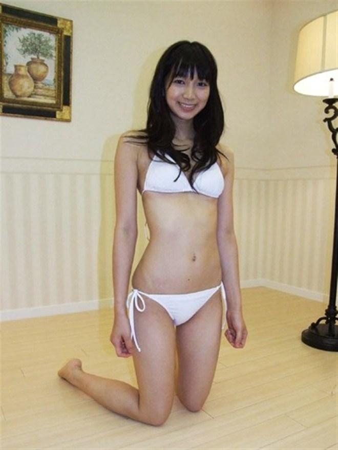 【芹那グラビア画像】セクシー系アイドルグループに所属していた事がある熟女タレント 11