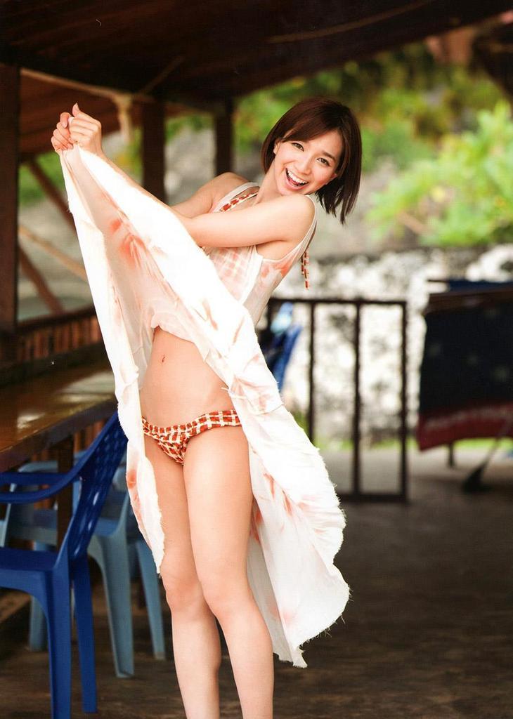 【芹那グラビア画像】セクシー系アイドルグループに所属していた事がある熟女タレント 56