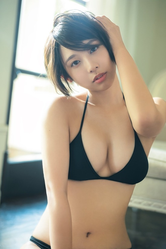 【水湊みおエロ画像】スレンダーでくびれたボディラインがめちゃシコい新人アイドル 10