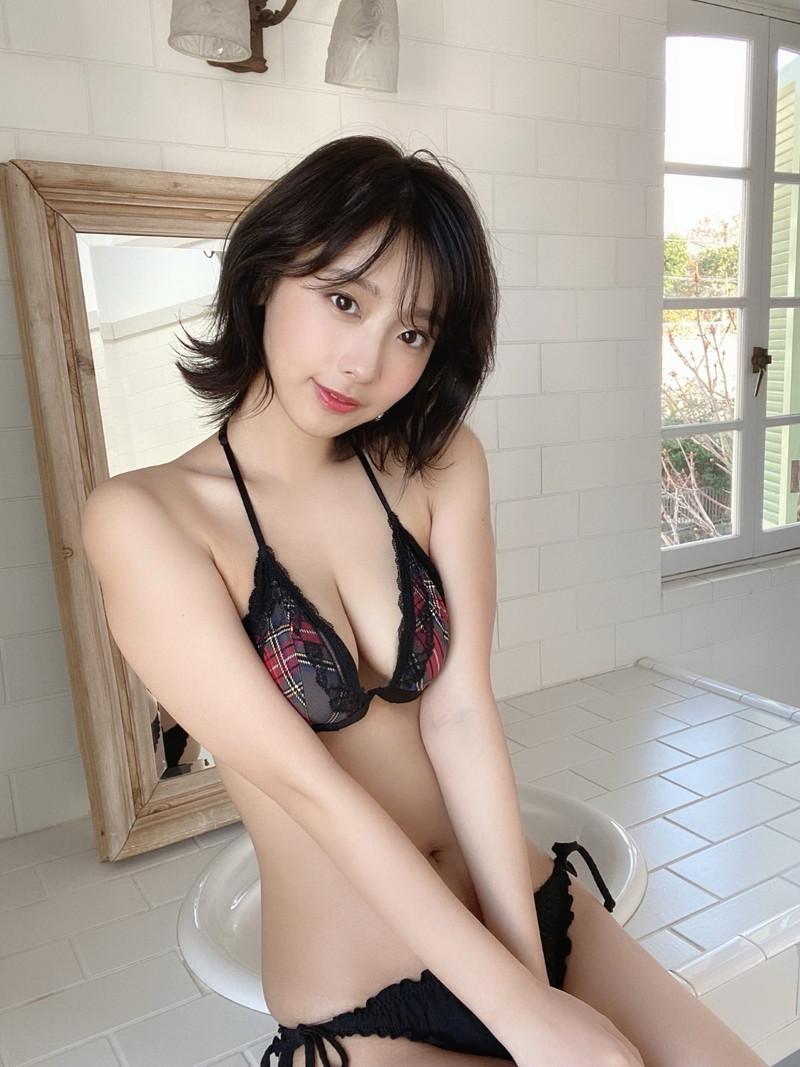 【水湊みおエロ画像】スレンダーでくびれたボディラインがめちゃシコい新人アイドル 37