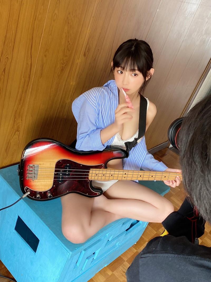 【水湊みおエロ画像】スレンダーでくびれたボディラインがめちゃシコい新人アイドル 79