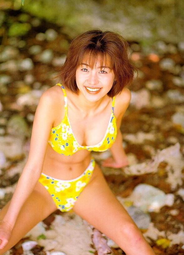 【さとう珠緒お宝画像】戦隊ヒロインやミニスカポリスだった熟女の懐かしい水着姿 11