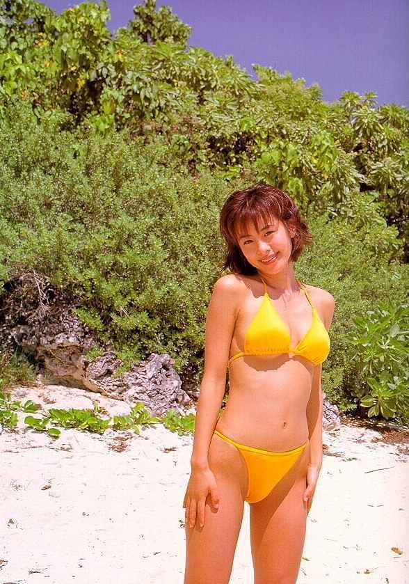 【さとう珠緒お宝画像】戦隊ヒロインやミニスカポリスだった熟女の懐かしい水着姿 13