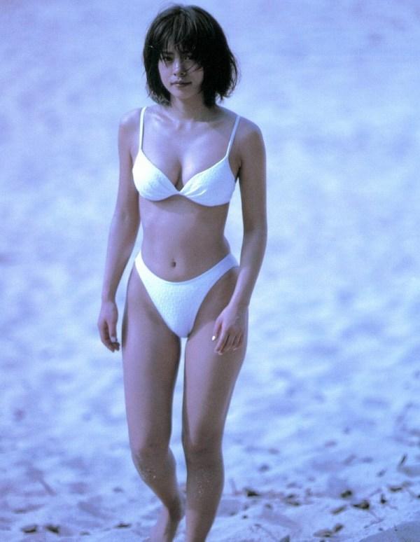 【さとう珠緒お宝画像】戦隊ヒロインやミニスカポリスだった熟女の懐かしい水着姿 26