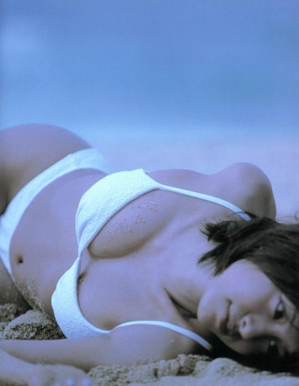 【さとう珠緒お宝画像】戦隊ヒロインやミニスカポリスだった熟女の懐かしい水着姿 27
