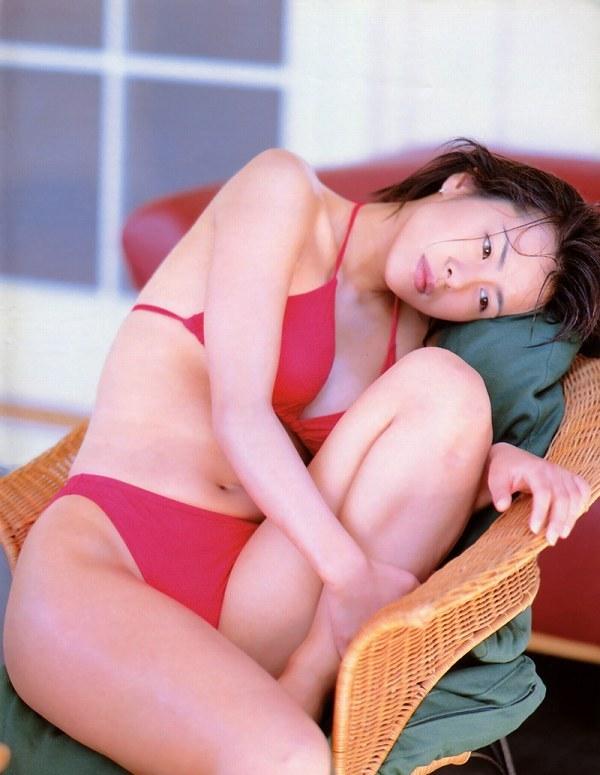 【さとう珠緒お宝画像】戦隊ヒロインやミニスカポリスだった熟女の懐かしい水着姿 32