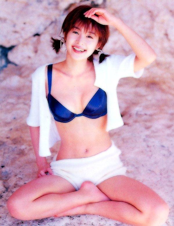 【さとう珠緒お宝画像】戦隊ヒロインやミニスカポリスだった熟女の懐かしい水着姿 37