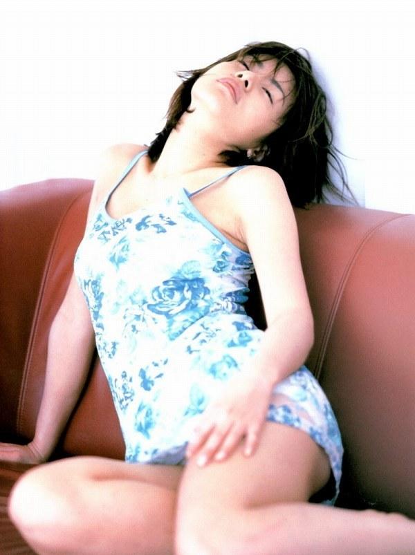 【さとう珠緒お宝画像】戦隊ヒロインやミニスカポリスだった熟女の懐かしい水着姿 48