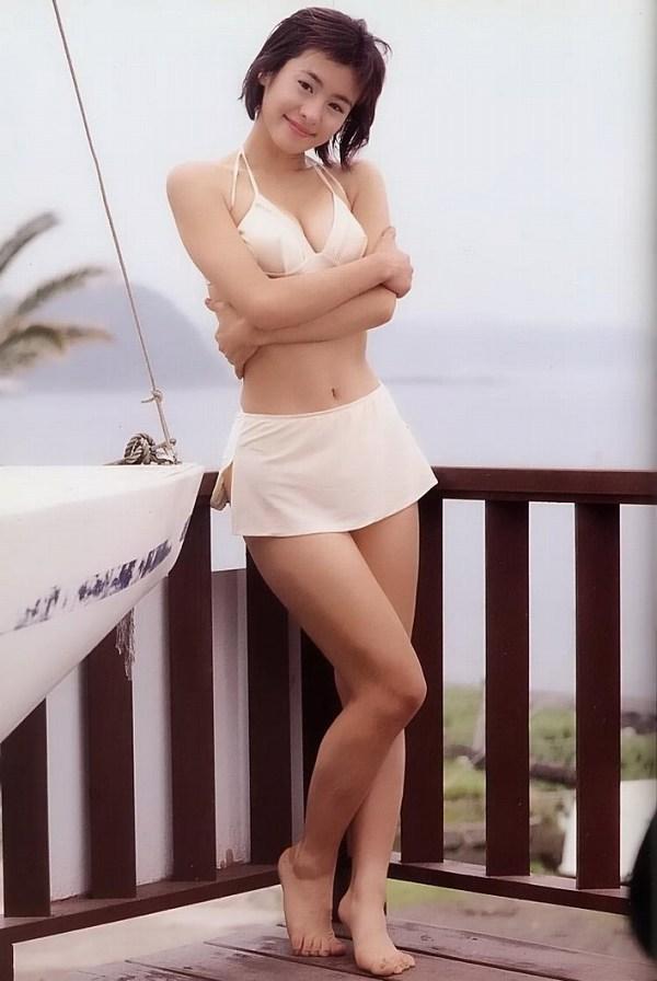 【さとう珠緒お宝画像】戦隊ヒロインやミニスカポリスだった熟女の懐かしい水着姿 73