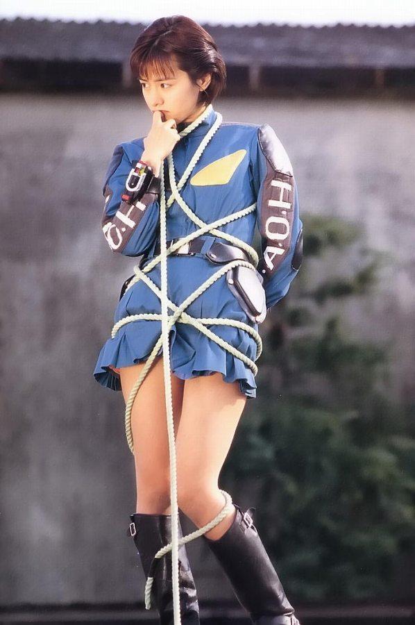 【さとう珠緒お宝画像】戦隊ヒロインやミニスカポリスだった熟女の懐かしい水着姿 80